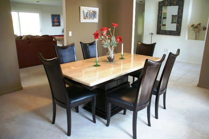 Good Granite, Quartz And Marble Table Tops Are Perfect For Hotels, Restaurants,  Living Rooms, Kitchens, Dining Room Tables, Desks And Coffee Tables.